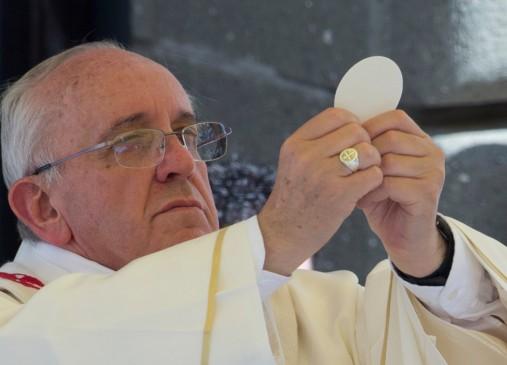 http://aratta.files.wordpress.com/2014/08/4b60f-o-pope-francis-facebook.jpg?w=507&h=366