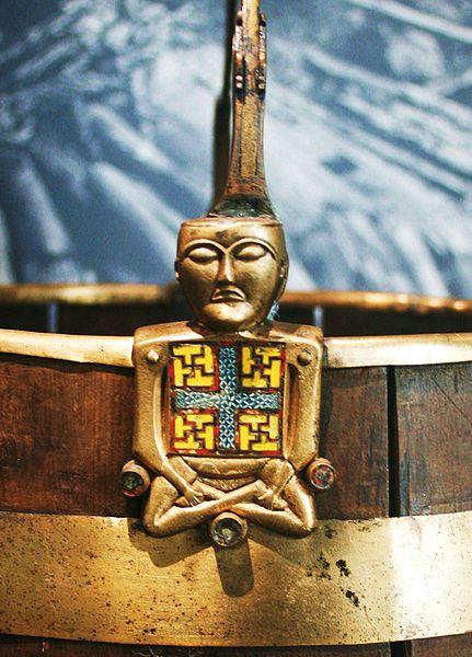 431px-Buckle_from_Oseberg_Vikingship_Buddha